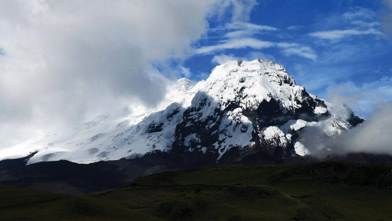 Highlander: Otavalo & Across The Andes to Cuenca